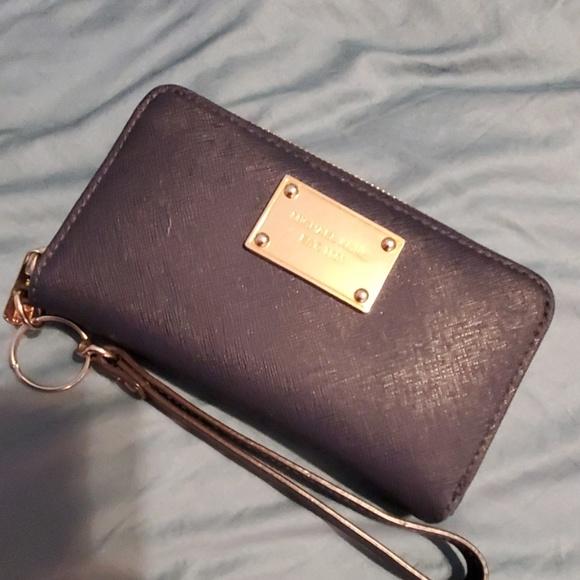 2a17c3583a36b9 Michael Kors Bags | Clutch Wallet | Poshmark